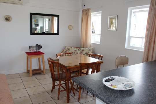 Lounge / Dining Knysna Self Catering Accommodation