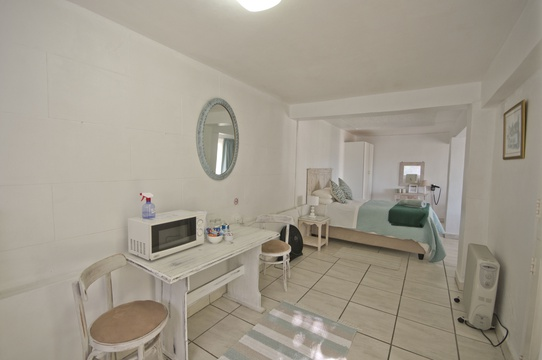 Room F2 - Double Knysna Guesthouse Accommodation