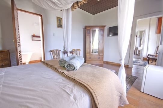 Room A - Double - Knysna Guesthouse Accommodation