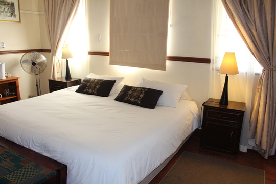 quadruple family room, knysna B&B guesthouse accommodation